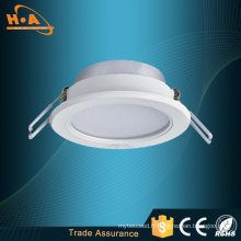 Chine Logement en plastique de Downlight LED en plastique de puissance élevée