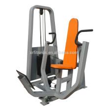 Sportausrüstung / Fitnessgeräte / Brust Pres