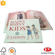 Impresión de folletos de catálogos de revistas de moda infantil.