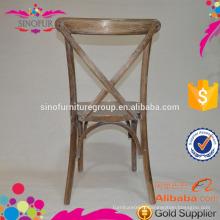 Chaise à table croisée empilable