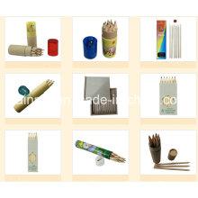 Crayon en bois dans l'emballage en papier rond