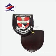Placa de premio de pared de madera con logo afortunado personalizado