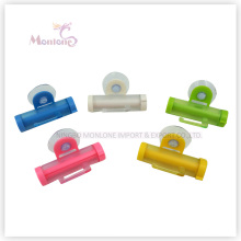20g Bathroom Accessories Plastic Rolling Toothpaste Squeezer with Sucker