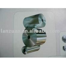 rodillo enorme del papel de aluminio