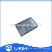 Produit de communication en aluminium moulé sous pression