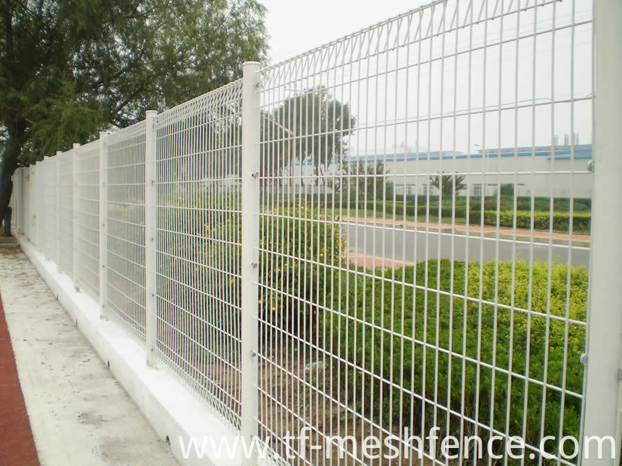 galvanized-powder-coated-welded-mesh-fence-panels