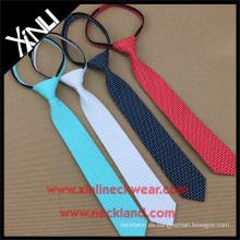 Perfect Neck Knot Elastic Zipper Mens poliéster corto corbatas