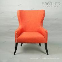 Chaise rembourrée en tissu de style français capitonné en bois avec dossier