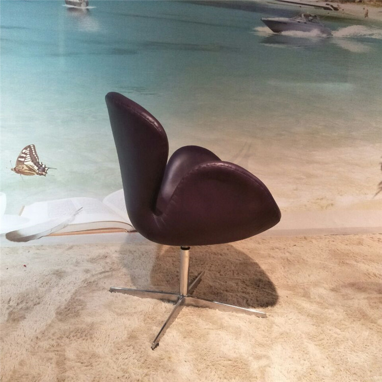 Italian leather swan chair