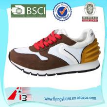 Zapatos corrientes de la estabilidad de las señoras, mujeres que funcionan la zapatilla de deporte
