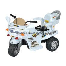 As crianças de venda superiores do bebê montam no veículo elétrico da motocicleta com luz