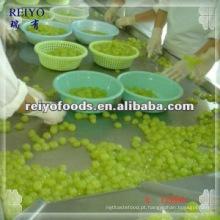Conservas de uva em calda