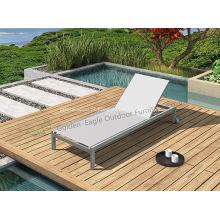 Mobília ao ar livre Cadeira de praia de vime com rodas