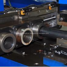 La herramienta reductora de diámetro de tubo reduce el diámetro del tubo.