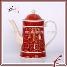 Schäbige schicke Porzellan-Teekanne