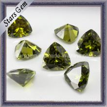 Сияющий драгоценный камень перидота для драгоценностей