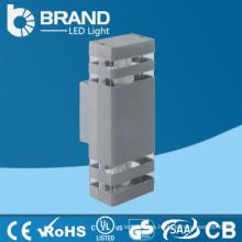 Haga en China nuevo diseño al por mayor caliente nueva luz blanca llevó el reloj de pared