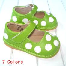 Зеленый с белыми точками Polka Squeaky Shoes # D122