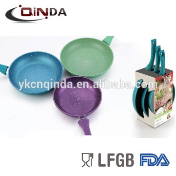 Best popular marble forged aluminum 3 pcs frying pan set with open box