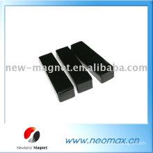 Sintered block ferrite magnet