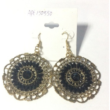 Vintage Lace Pierced Earrings with Metal