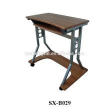 Подвижный деревянный стол для ноутбука с металлической рамой