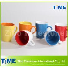 Tasses de café glacées par couleur de grès