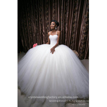 Dernières robes Alibaba Elegant Sweetheart Robes de mariée en robe de soirée blanche Vestidos de Novia avec Perles Beading Lourdes 2016 LW255