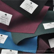 Traje de sarga de color elegante tejido de lana