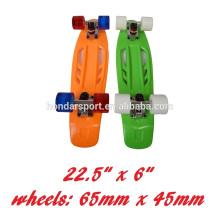 2017 nouvelle conception de haute qualité en plastique cruiser skateboard