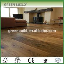 Plancher en bois massif chêne marron clair imperméable à l'eau