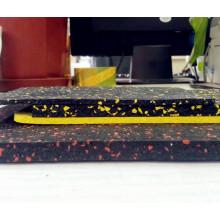 El fabricante de piso de baldosas de caucho barato profesional para gimnasio / gimnasio de interior / al aire libre