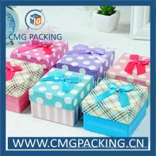 Petite boîte-cadeau imprimée adaptée aux besoins du client avec le ruban de soie (CMG-MAY-005)