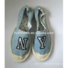 Zapatos de lona de goma plana planos de las mujeres de la alpargata del dril de algodón de la manera con el remiendo