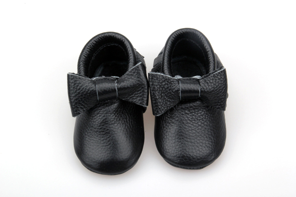 Bow-tie Moccasin shoes