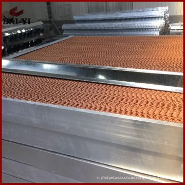 Almohadilla de enfriamiento evaporativo para el sistema de enfriamiento de aire en la casa avícola