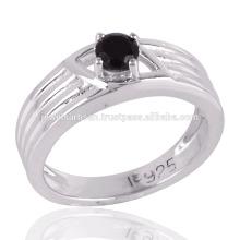 Belle pierres précieuses en onyx noir dans la bague argentée Prong 925 pour toutes les occasions