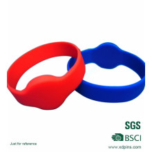 High Quality Promontional Customized Logo Rubber/ Silicone Bracelet