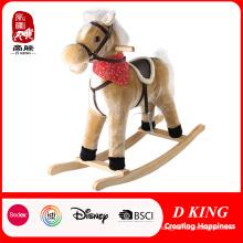 Cavalo de balanço de madeira Brinquedo de pelúcia cavalo de balanço