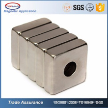 N52 Neodymium Square / Ring avec vis Trou Neodymium Magnet