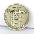 Aduana hecha en fábrica de China su propia moneda plateada recuerdo especial del metal de cobre amarillo