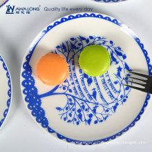 Дизайнерская домашняя декоративная тарелка белого и голубого фарфора