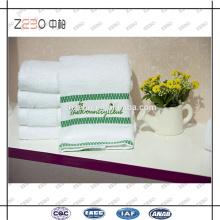 Egyptian Cotton 16s Plush Factory Price Broderie Logo Vente en gros Serviettes d'hôtel