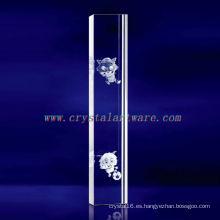 K9 3D Laser Radiant y Wolf Etched Crystal con forma de pilar