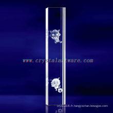 K9 3D Laser Radiant et le cristal gravé loup avec forme de pilier