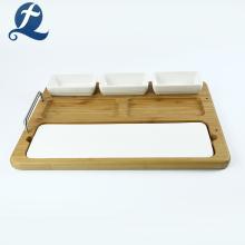 Plaque en céramique multifonction à la maison avec le plat en bois