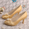 Elegante Closed Toe Brautjungfer Schuhe Gold