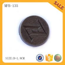 MFB135 Botão de calças de brim da forma da notícia da alta qualidade, logotipo da marca gravado botão da haste do metal feito sob encomenda