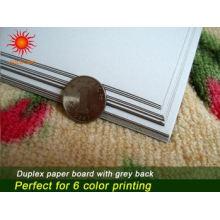 Tablero dúplex respaldo gris con fuerte rigidez y excelente resistencia plegable