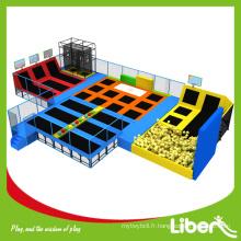 Grand centre commercial Bon marché à l'intérieur des enfants Trampoline rectangulaire Bed Park Assurance de la qualité